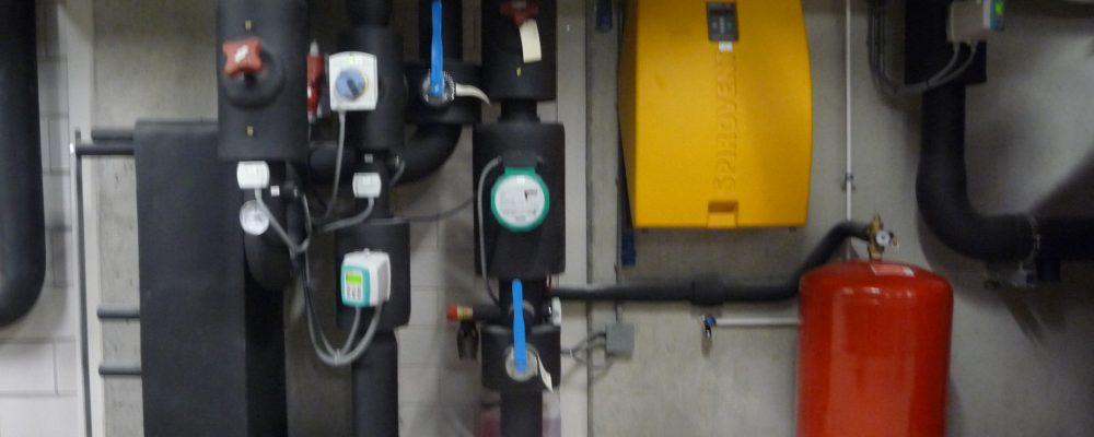 Triple-Solar-PVT-zonnepaneel-technische-installatie-warmtepomp-expansivat
