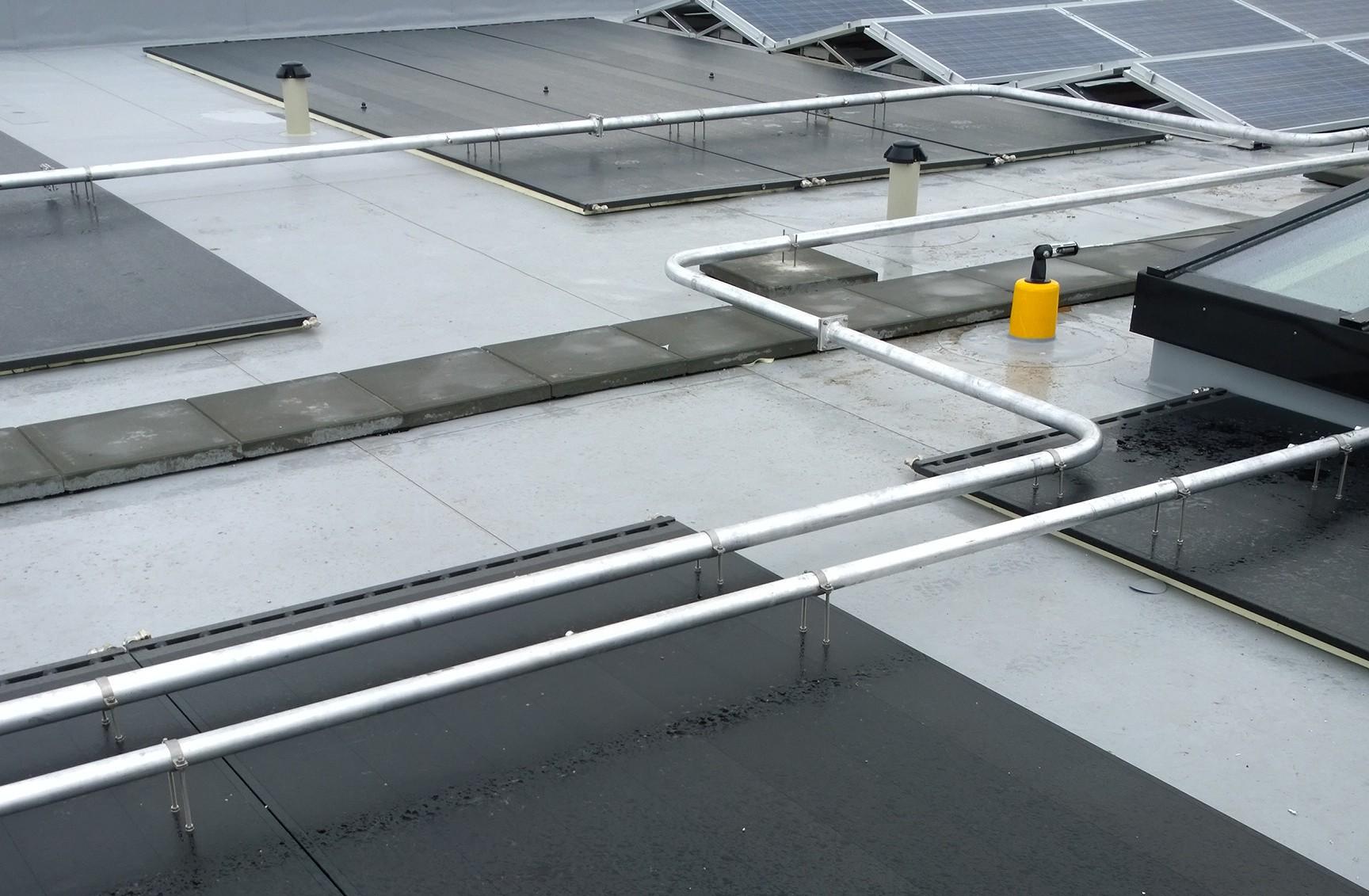 Triple Solar PVT zonnepaneel Studentenhuisvesting 2014 leidingwerk