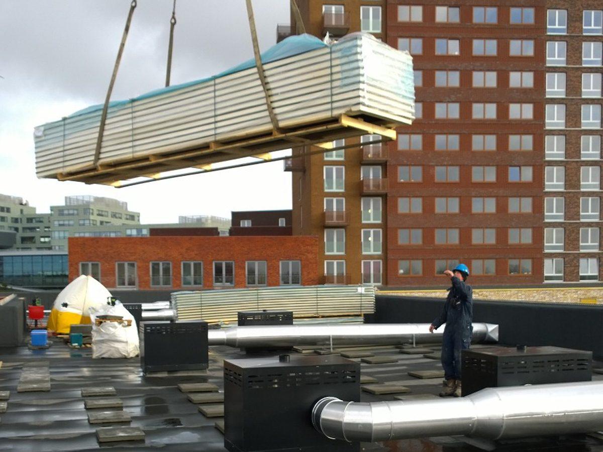 Triple Solar PVT heat pump panel Sandwichdak in aanbouw Leidsche schans