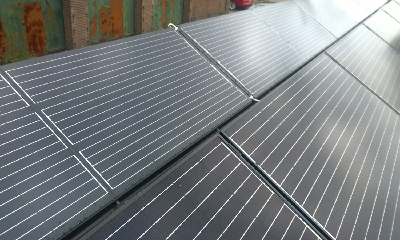 Triple Solar PVT tiny house warmtepomp Sustainer PVT panelen