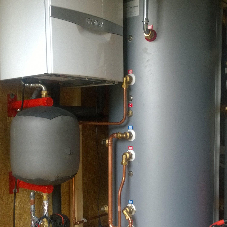 Triple Solar PVT tiny house warmtepomp Sustainer PVT panelen detail montage Sustainer installatie