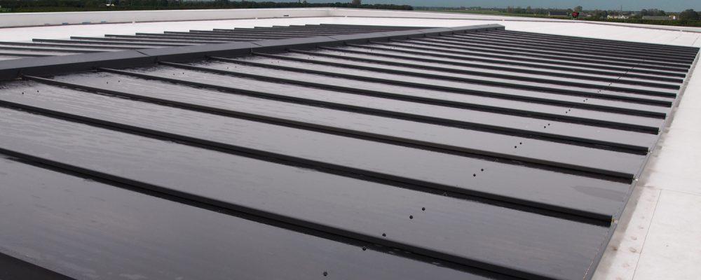 Triple-Solar-PVT-panelen-warmtepomp-paneel-Bloesemgaarde-Wognum-energiedak.