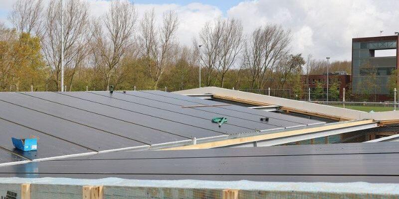 PVT paneel plaatsen op dak tbv warmtepomp Triple Solar met stadsverwarmingfoto062
