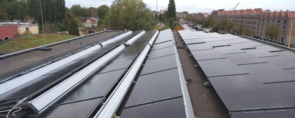 Triple Solar PVT Warmtepomp Paneel Restaurant artis de twee cheetahs 150 panelen