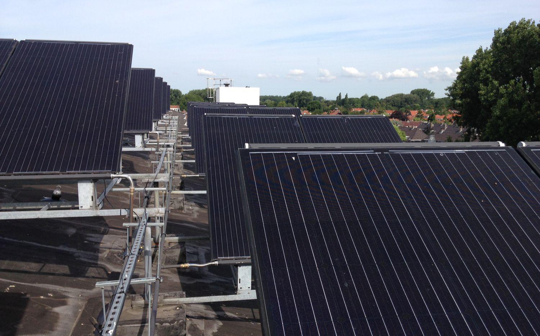 Triple-Solar-PVT-paneel-zonnepaneel-warmtepomppaneel-warmtepomp-woonstad-Rotterdam-01