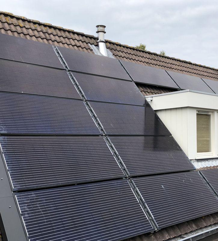 Monnickendam - PVT Paneel op dak 725