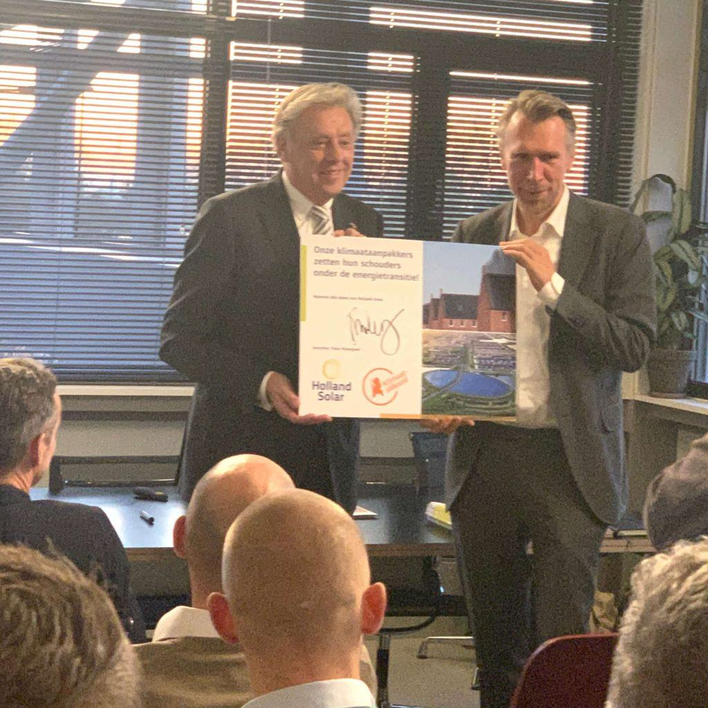 Triple-Solar-Holland-Solar-Ed-Nijpels-takes-signature-climate agreement-reception