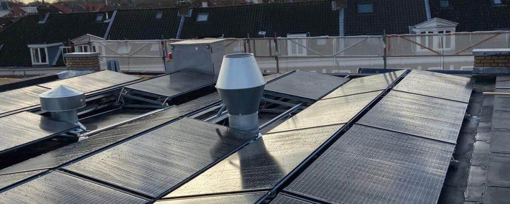 PVT-paneel-warmtepomppaneel-zonnepaneel-warmtepomp-Triple-Solar-verwarmen-koelen-school-cruquisschool-03