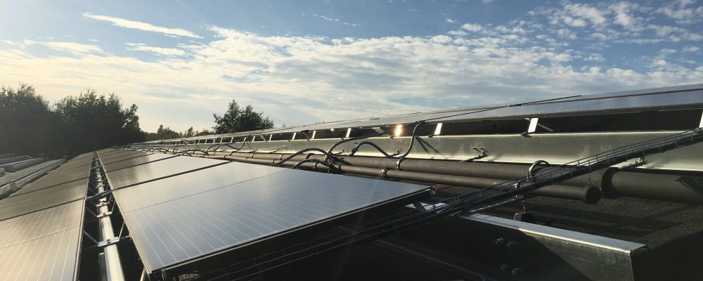 PVT-paneel-Triple-Solar-zonnepaneel-warmtepomppaneel-PVT-groot-project