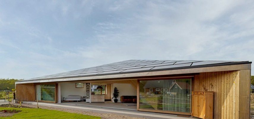 Triple-Solar-PVT-paneel-Pyramide-woning-Oosterwold-Almere-Studio-Eco-Interieur-Zonnepanelen-pyramid-house-solarpanel-04