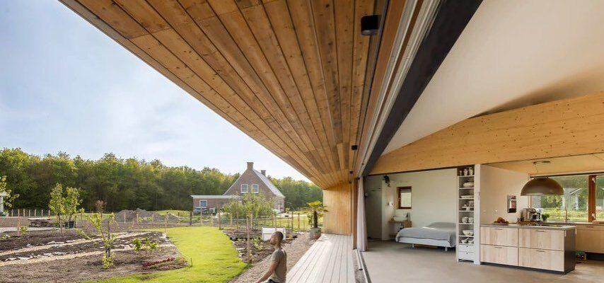 Triple-Solar-PVT-paneel-Pyramide-woning-Oosterwold-Almere-Studio-Eco-Interieur-Zonnepanelen-pyramid-house-solarpanel-05