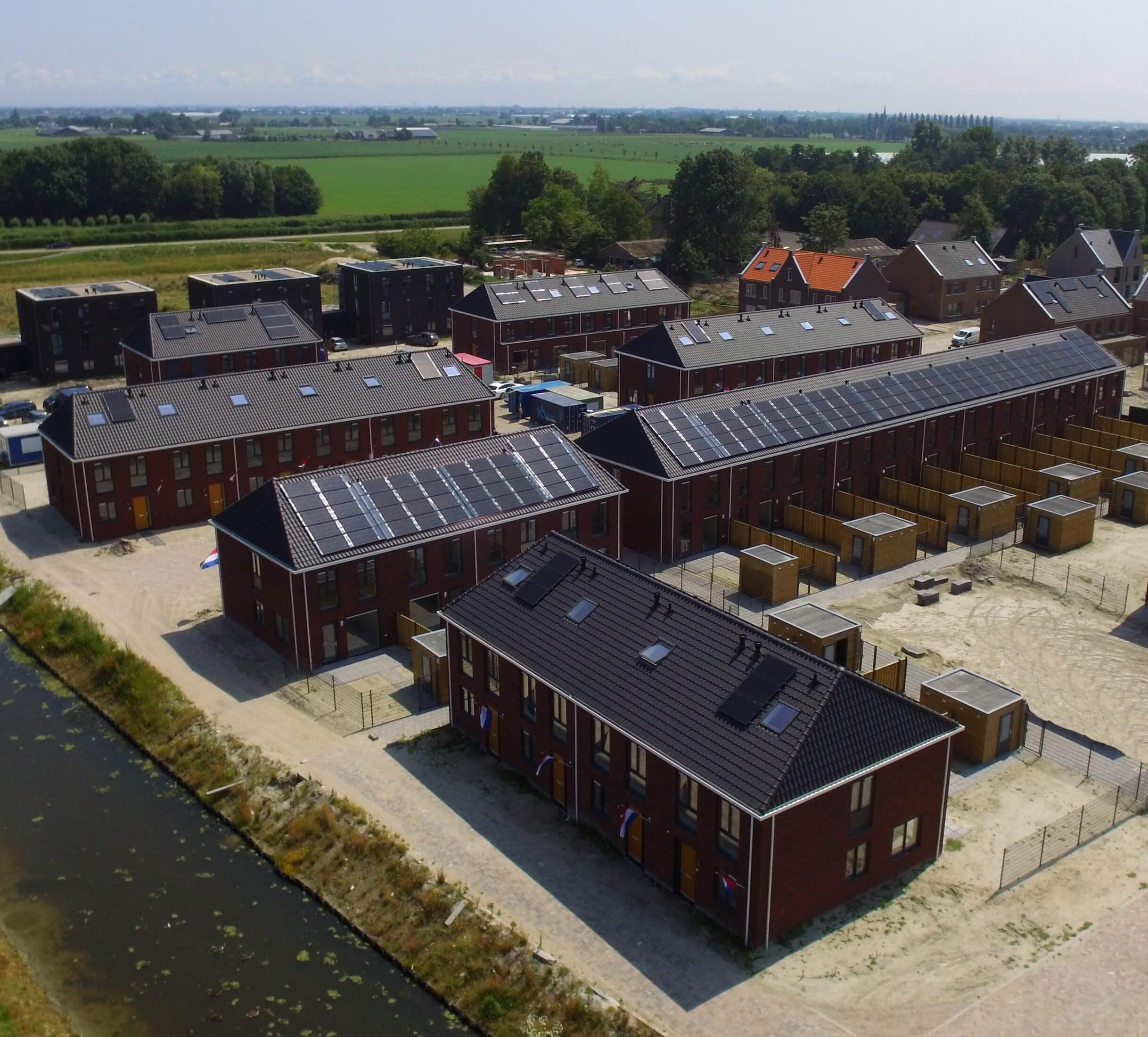 Triple-Solar-PVT-paneel-warmtepomppaneel-zonnepaneel