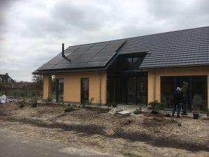 PVT-panelen-Triple-Solar-Dak-moderne-woning-Ommen-Tijhaar-drone-video-schuindak-001
